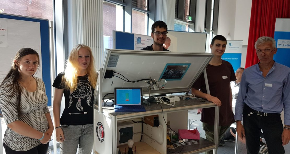 Sonnenhaus der 10B bei der Technikpreis-Endausscheidung in Mülheim