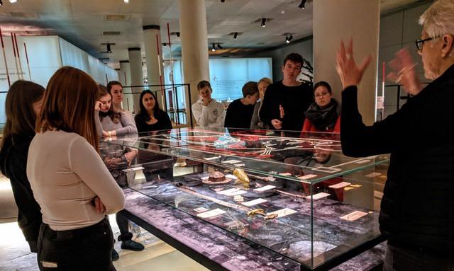 Abenteuer Archäologie: Exkursion des Biologie-Leistungskurses ins Archäologische Museum Herne