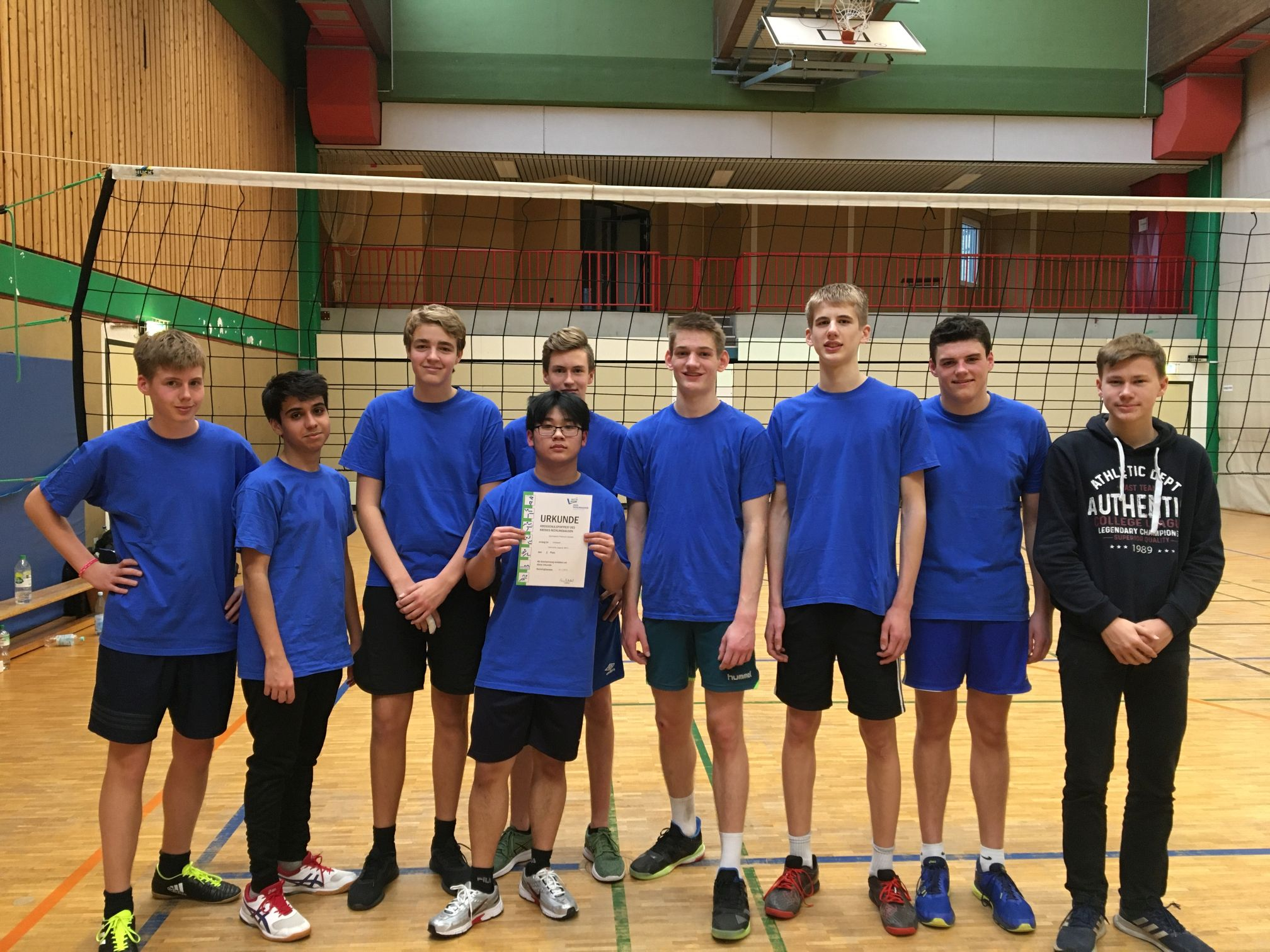 Volleyball-Schulmannschaft des Gymnasium Petrinum wird Vize-Kreismeister